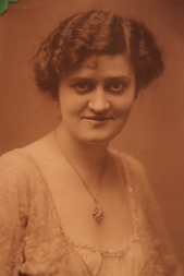 My great-grandmother, Elizabeth Ann Gray (1883-1968).